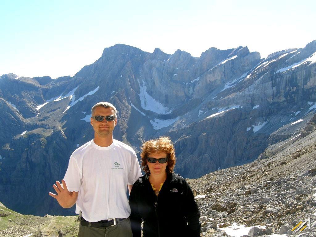 Trekking w Pirenejach, Pireneje Francuskie, Gavarnie. Widok z okolic schroniska Breche de Roland