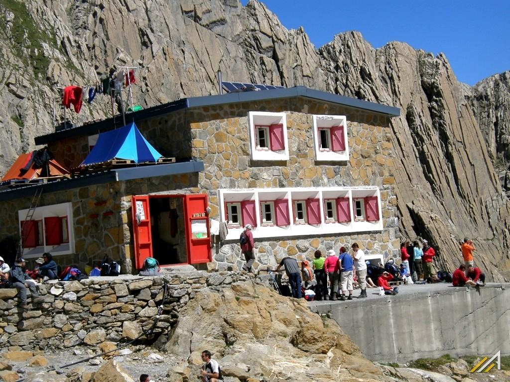 Trekking w Pirenejach, Pireneje Wysokie, Refuge de la Breche