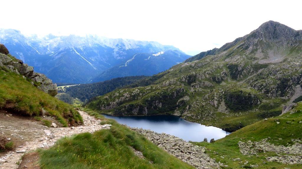 Trekking w Alpach Adamello Presanella i Dolomity Brenta. Giro dei 5 Laghi.