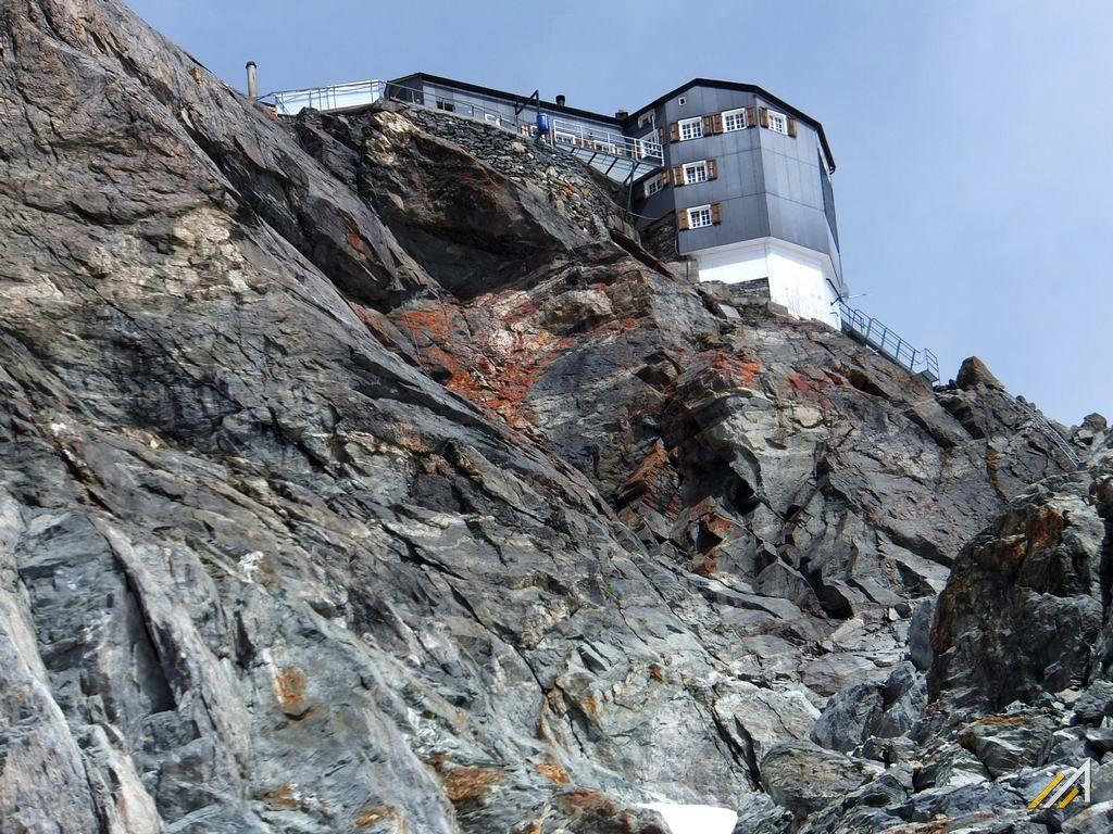 Trekking szlakiem Haute Route, Cabane Bertol (3311 m n.p.m.)