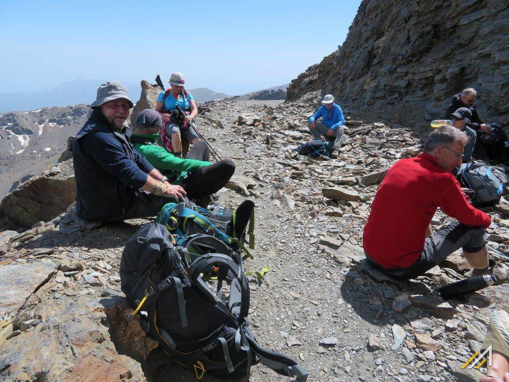 Trekking w Andaluzji. Droga Trzytysięczników - najwyżej w Europie poprowadzona droga w Górach Sierra Nevada.