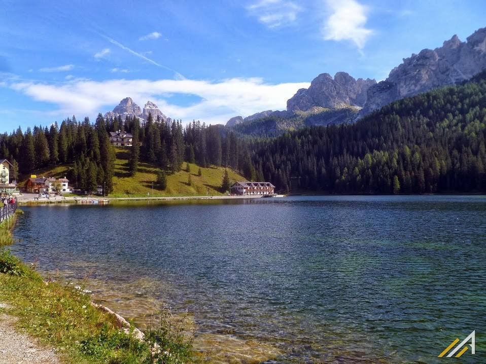 Dolomity, jezioro Misurina.