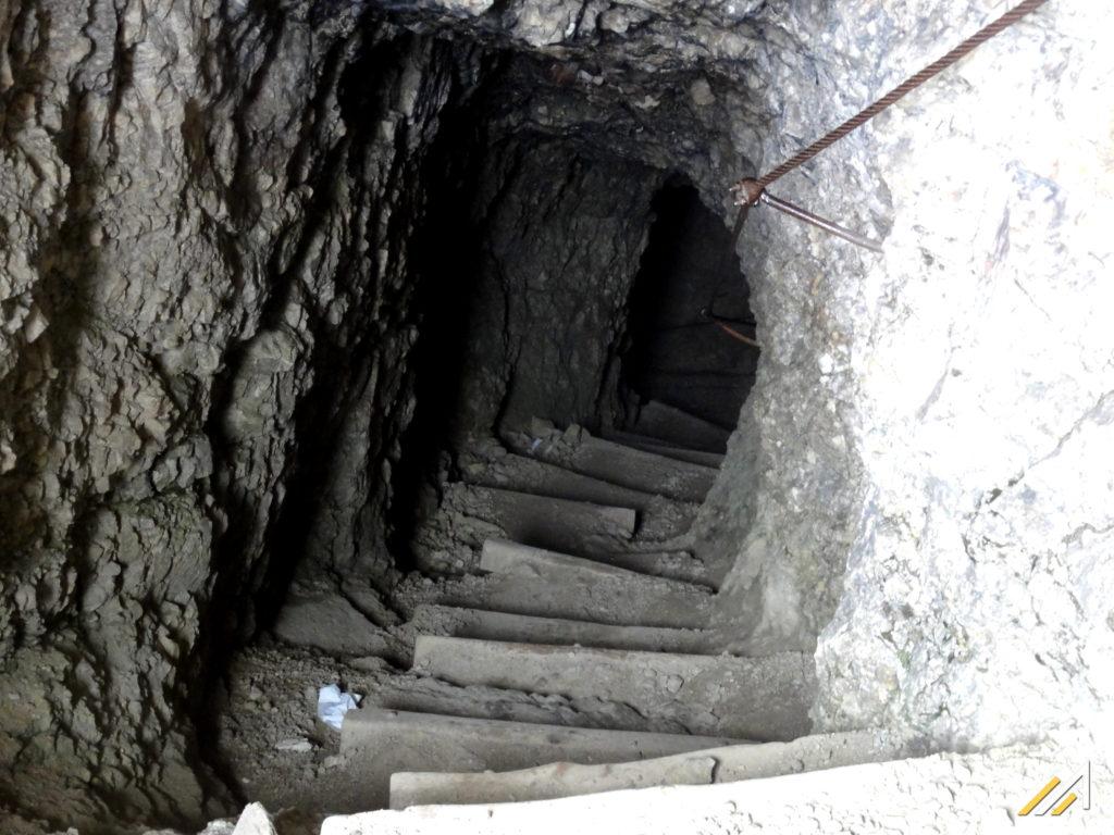 Dolomity, Tofany, Wejście do tunelu w Lagazuoi