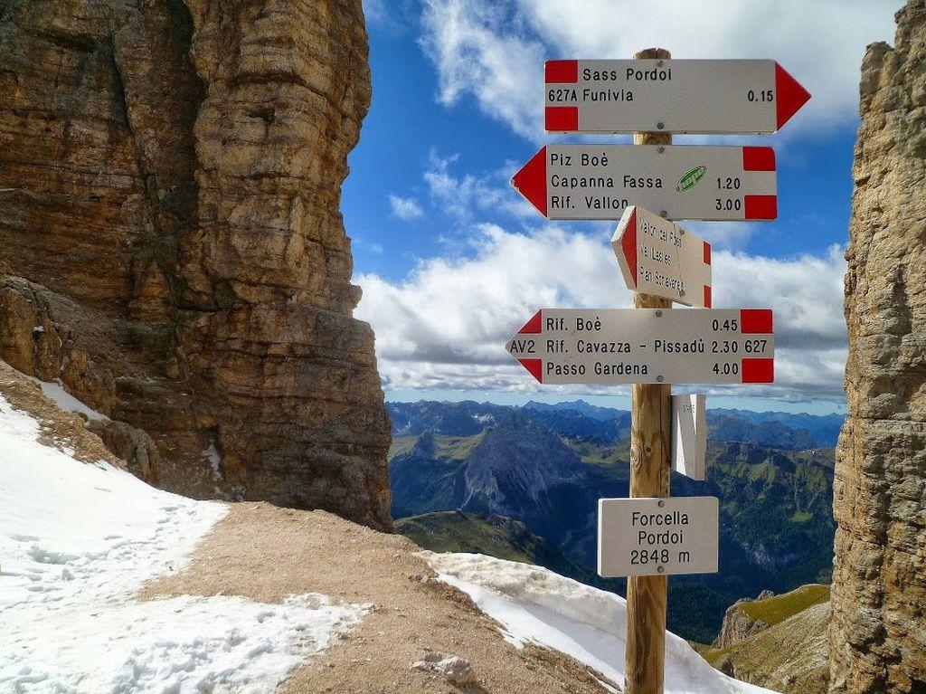 Trekking w Dolomitach, Forcella Pordoi w grupie Sella