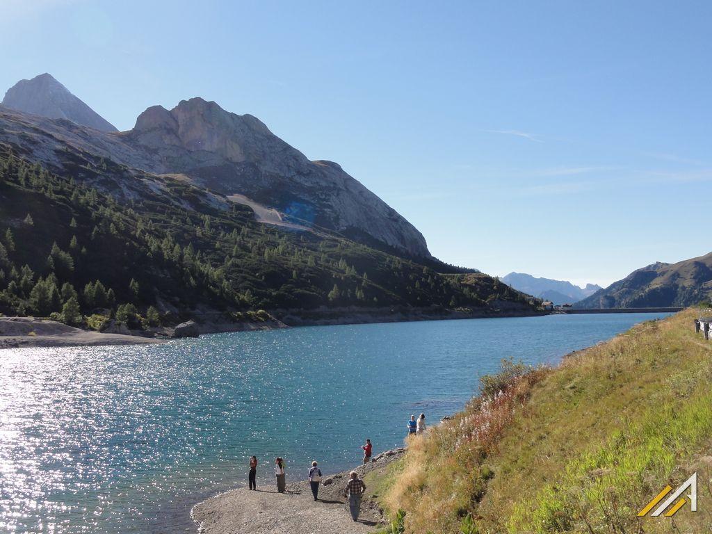 Trekking w Dolomitach. Lago di Fedaia