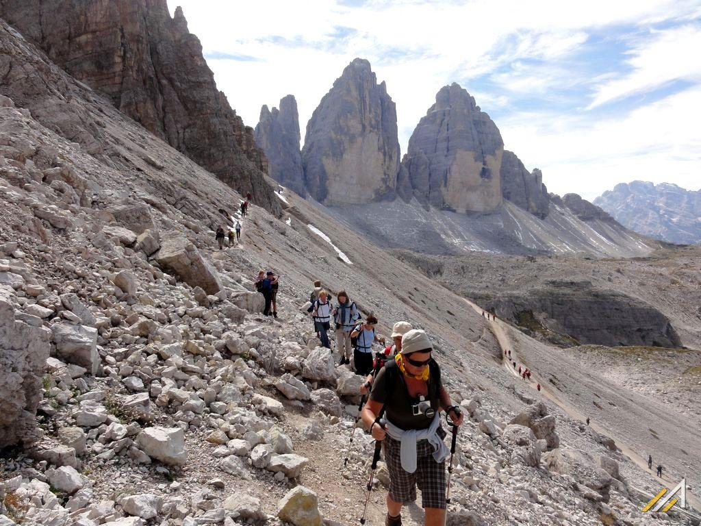 Trekking w Dolomitach, Cima Ovest, Cima Grande ( 3003 m ), Cima Piccola - Tre Cime di Lavaredo.