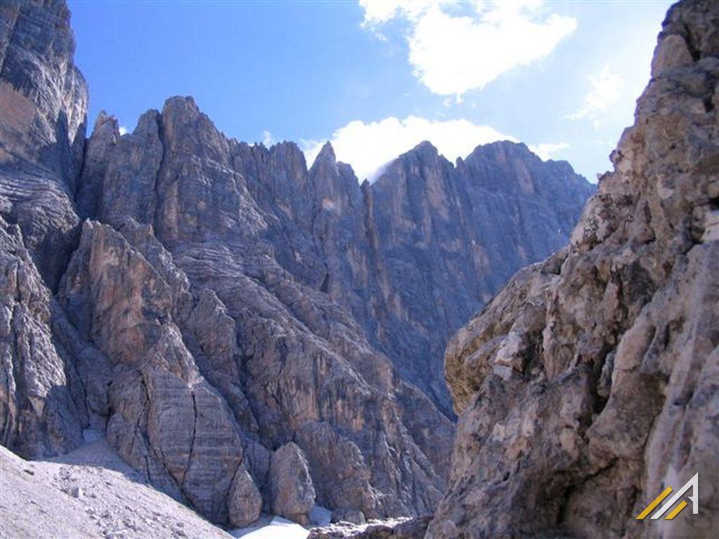 Trekking w Dolomitach. Szlaki turystyczne grupy Civetta