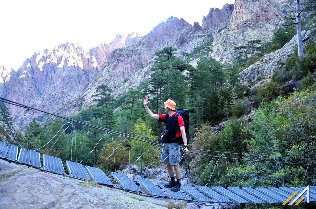 Trekking na Korsyce,szlak GR20, most nad wąwozem Spasimata