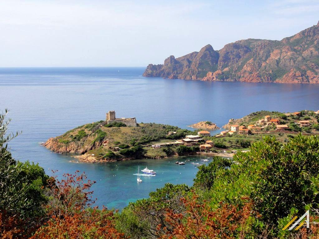 Trekking na Korsyce, Girolata, szlak Tra Mare e Monti