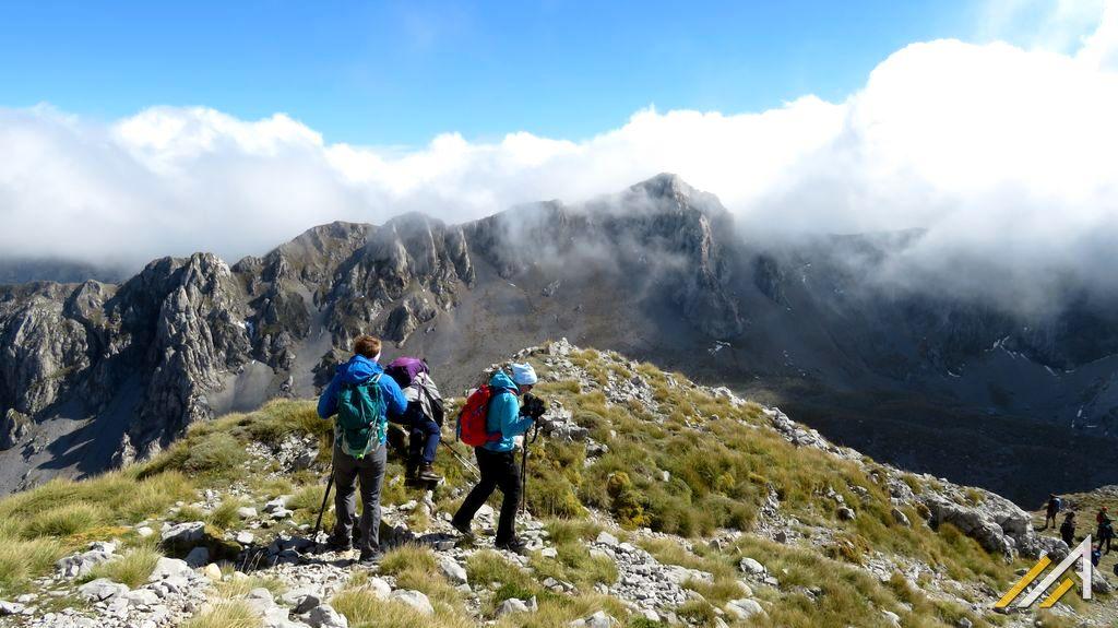 Trekking w Grecji, Góry Parnas. Zejście ze szczytu Liakoura